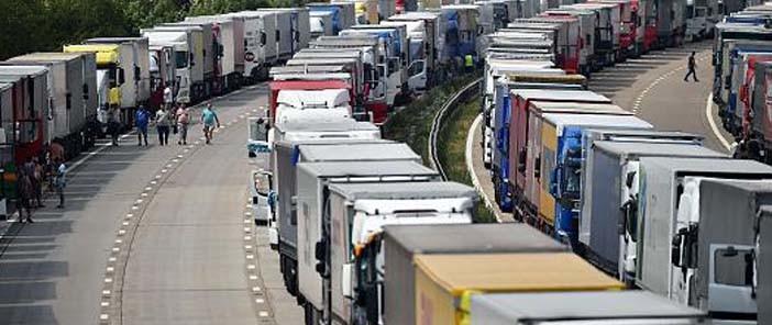 Növekvő árbevétel mellett csökken a hazai közúti fuvarozók száma