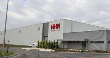 Átadták a japán rugógyártó NHK Spring Hungary első európai termelőüzemét a tatai ipari parkban A teljes cikk: http://realista.hu/ingatlanpiac/uj-gyarat-adtak-at-tatan/131529