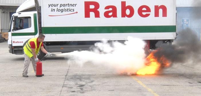 Baleseti gyakorlat a Rabennél – avagy ha kigyullad a teherautó és kifolyik az ADR hatálya alá tartozó veszélyes-áru, mire figyeljünk?
